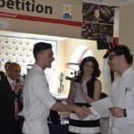 Francesco-Maria-Baldi-premiato-dallo-chef-Antonio-Putignano